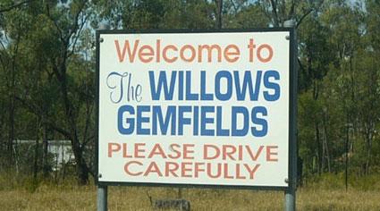 Willows Gemfields, Mining towns in Queensland