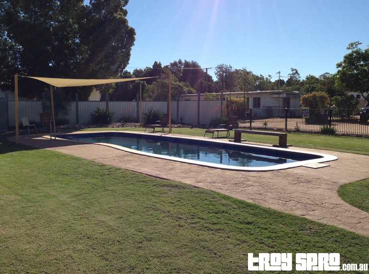 Swimming Pool at Longreach Tourist Park