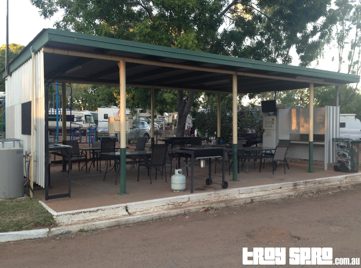 Mount Isa Caravan Park Kitchen