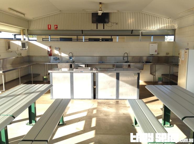 Hughenden Caravan Park Kitchen Area